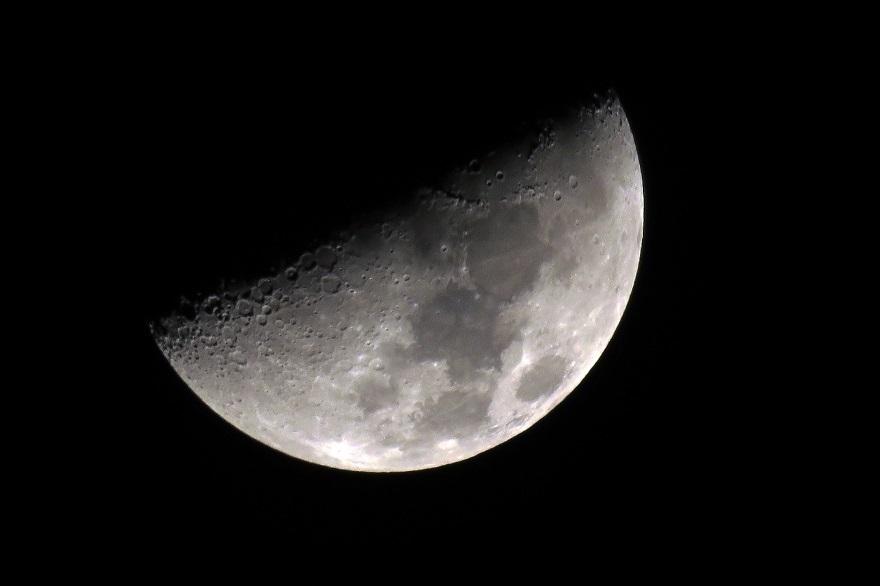 2月の月 (1)