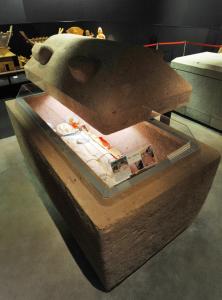 今城塚古墳石棺