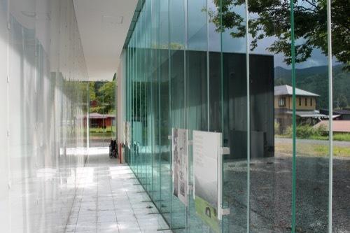 0285:熊野古道なかへち美術館 廊下③
