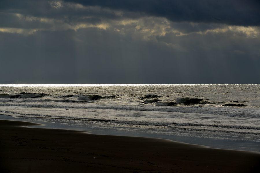 海岸に射す光-2