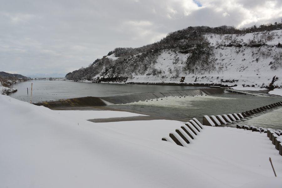 雪の堰-1