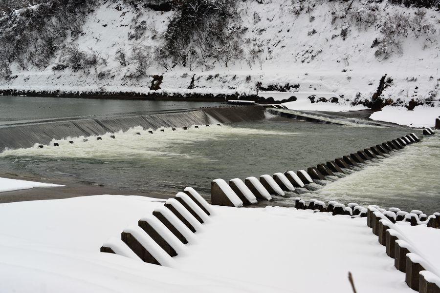 雪の堰-2