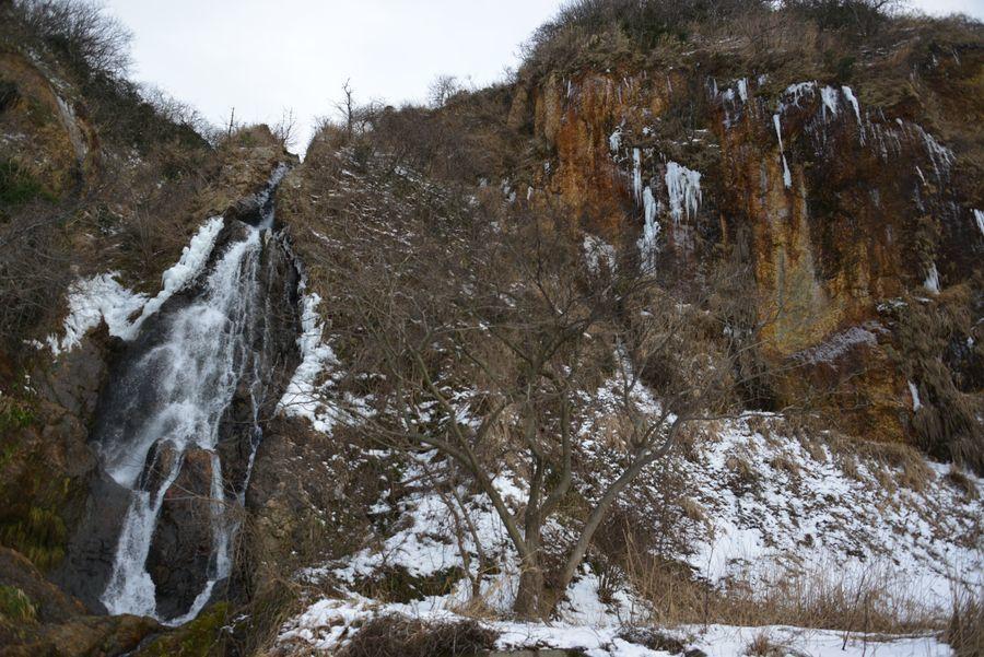 冬の浜滝-1