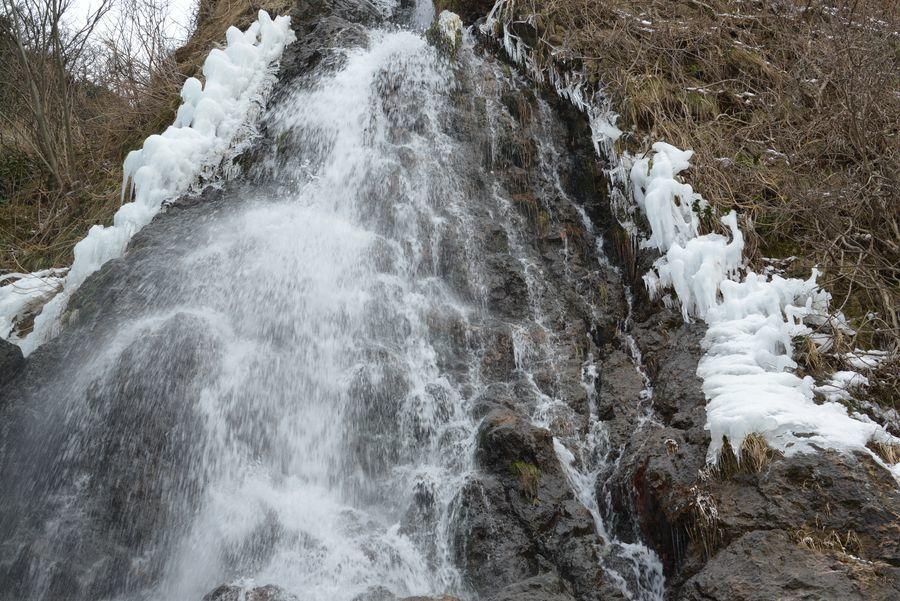 冬の浜滝-3