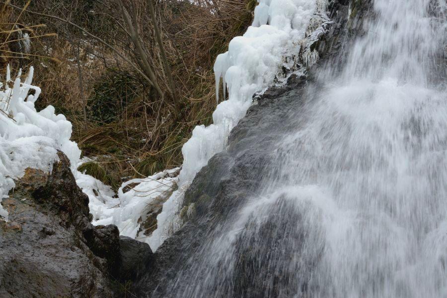 冬の浜滝-5