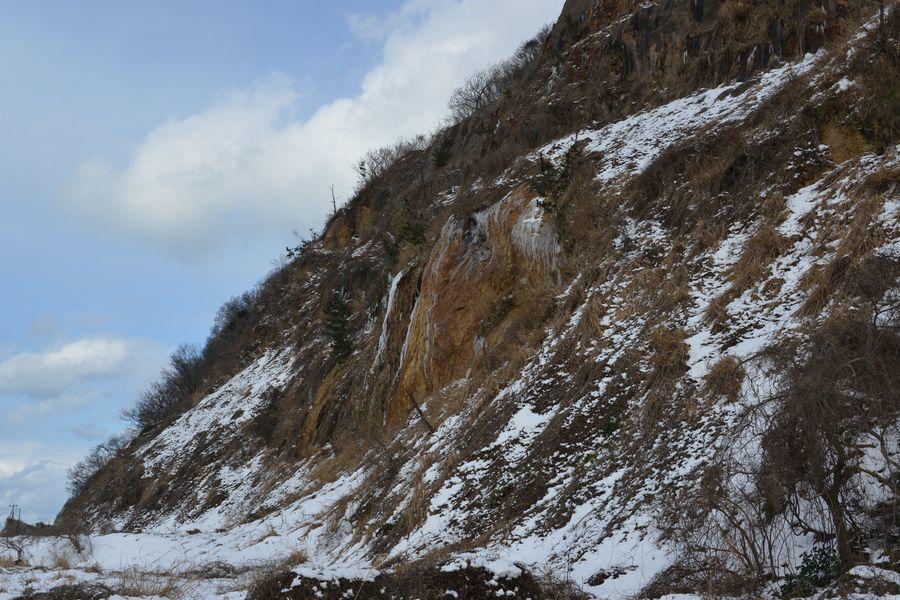 崖の氷柱-1