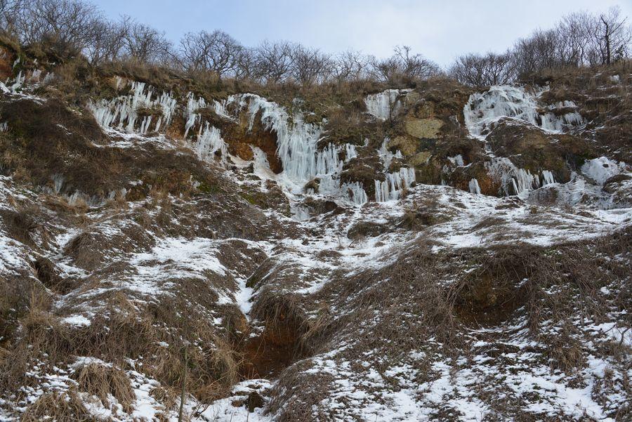 崖の氷柱-4