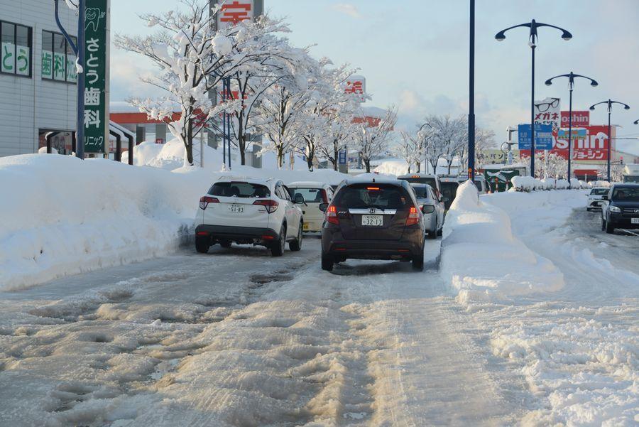 雪の大渋滞-2