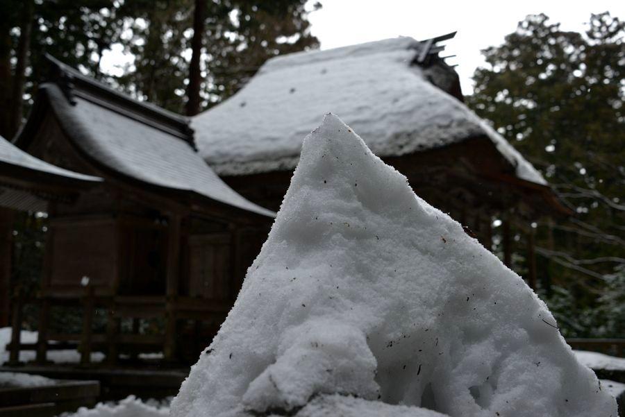 雪の神社-4