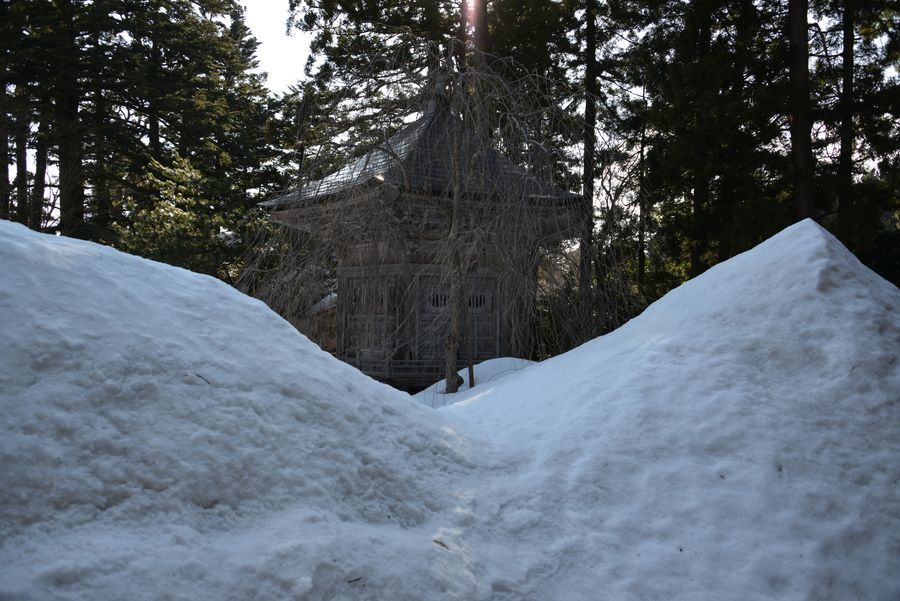 国上寺 残雪-4