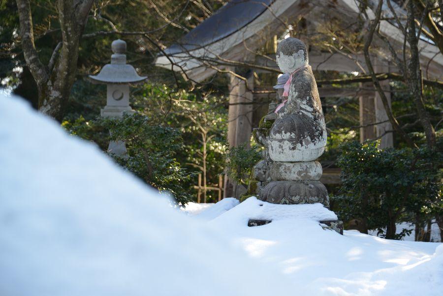 国上寺 残雪-5