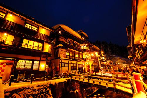 銀山温泉・大正ロマンの夜景