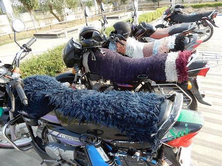 バイクの毛糸カバー