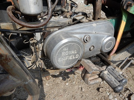 ロイヤルエンフィールド社製のギアボックス伝達装置。