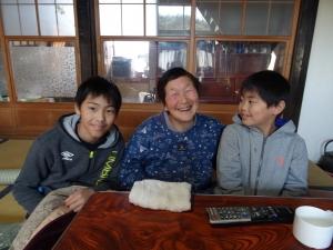 福島県石川町にある農園カフェ_やいこばあちゃん家にて餅つき&自然派味噌の仕込み体験t