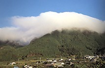 風伝朝霧の山