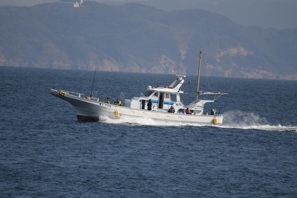 釣舟と漁船_2