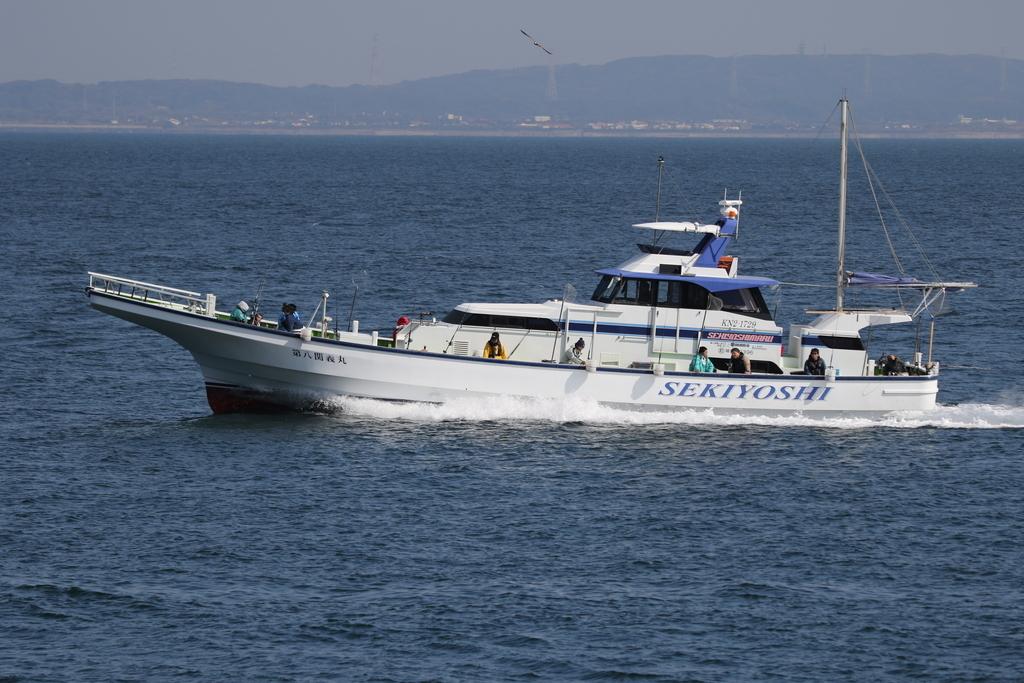 釣舟と漁船_3
