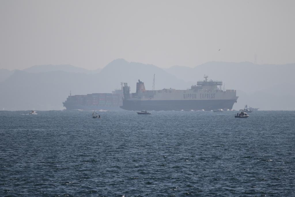 今度はあの船舶との交差が_12