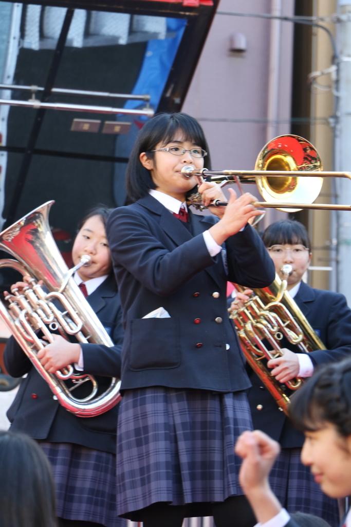 横浜市立港中学校吹奏楽部の記念演奏_11