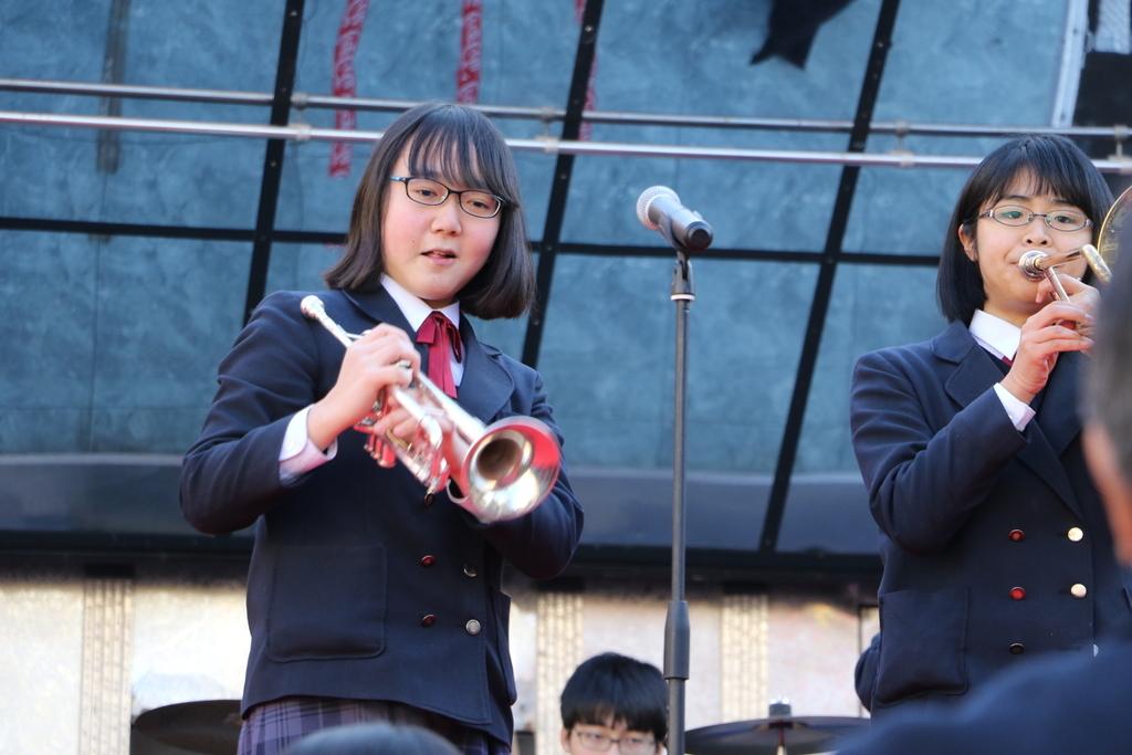横浜市立港中学校吹奏楽部の記念演奏_33