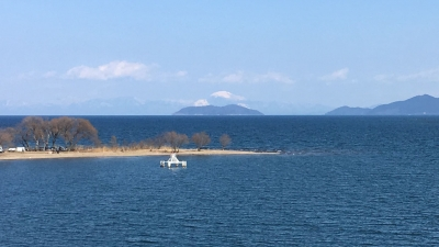 琵琶湖大橋西詰めから眺めた北湖(2月23日13時20分頃)
