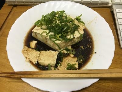 温めた豆腐にそのままかけても美味しいですよ(笑)