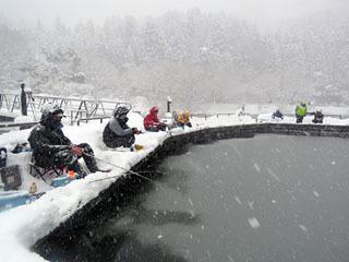 余呉湖のワカサギ釣り