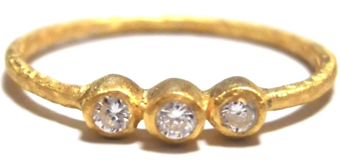 Abby triple ring yellow gold (2)