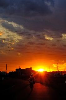 07b鶴見川の落日