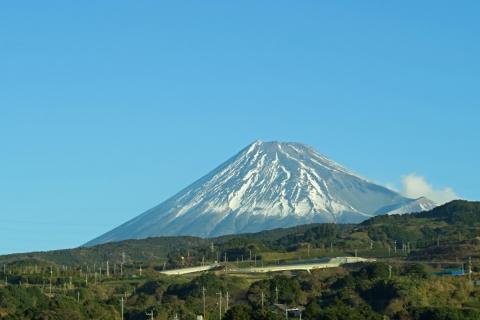 01新幹線車内から富士山