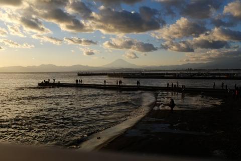08江の島弁天橋から