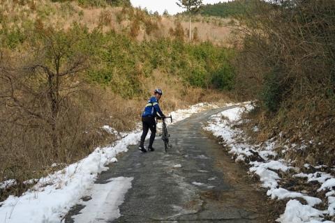 19雪道押し歩き