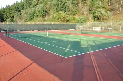 tennis-courts-shoreline.jpg