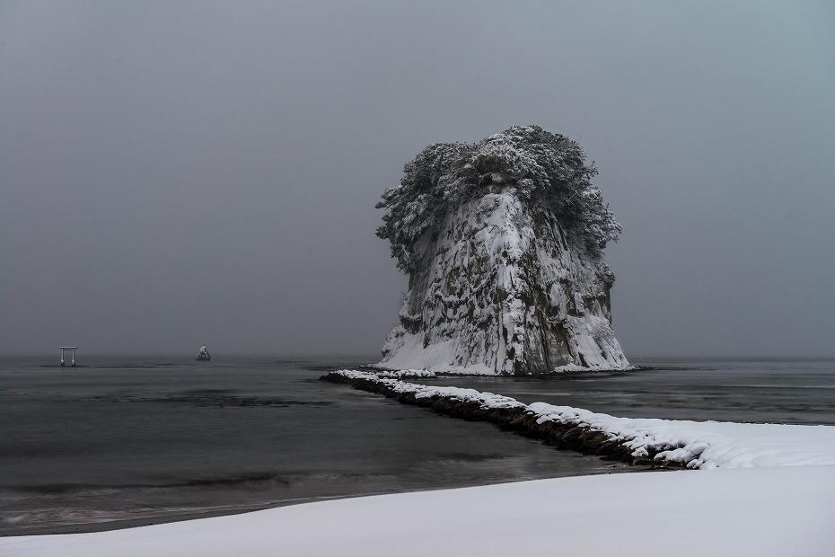 2018.01.12 見附島の雪景色 2