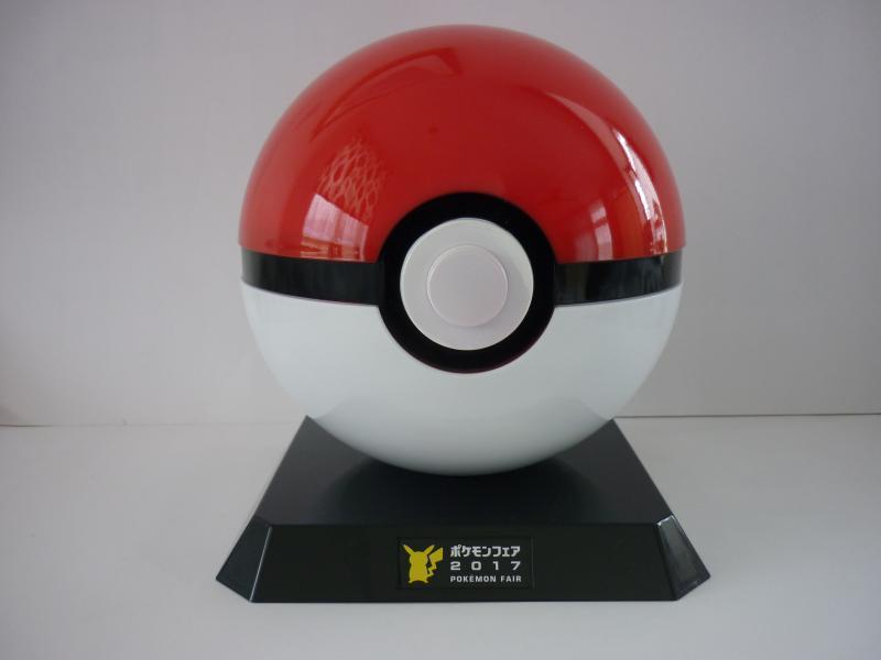 GET!! POKE PINS モンスターボール型ディスプレイ