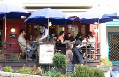 ビストロ カフェ ド パリ