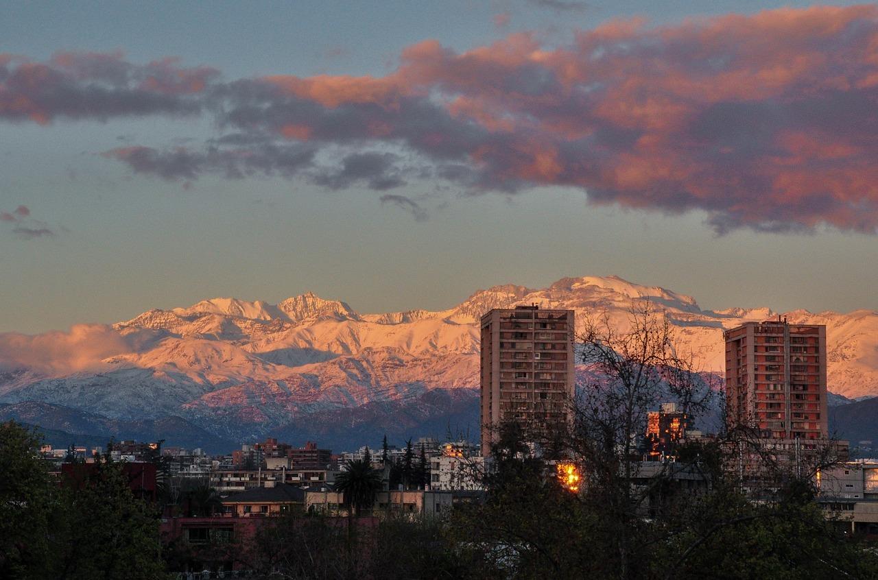 snowy-mountains-1699715_1280.jpg