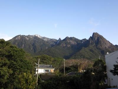 180112-2=雪のモ岳連峰fmONA区事務所