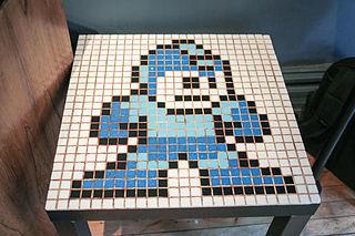 320px-Mega_Man_Table_-_Photo_Walk_Chicago_September_2,_2013-4897
