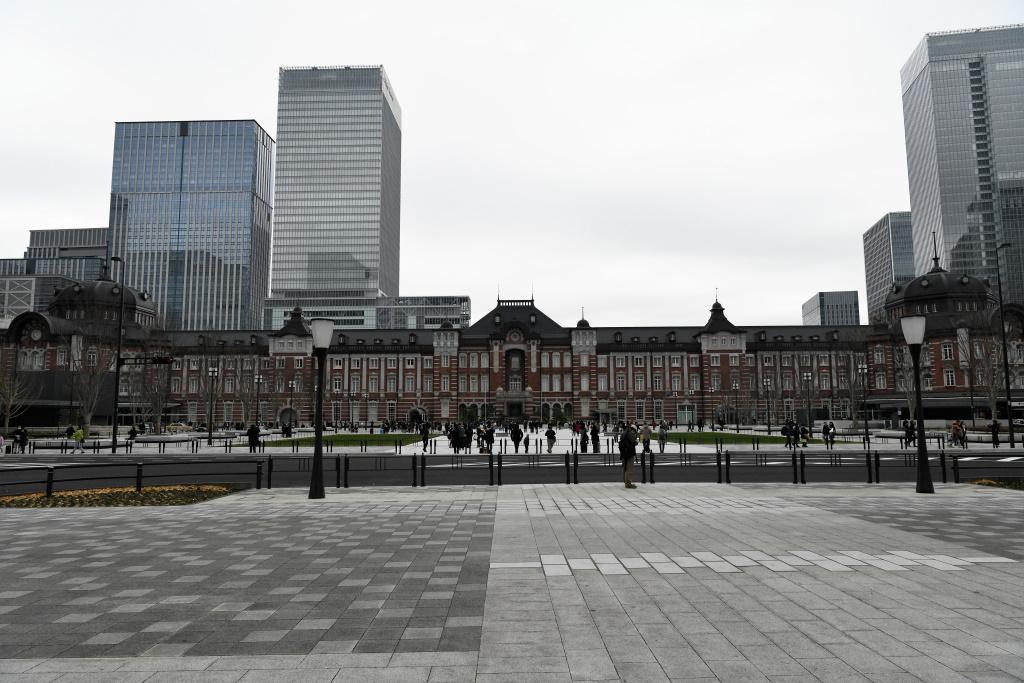 JR東京駅丸の内駅舎前広場 2
