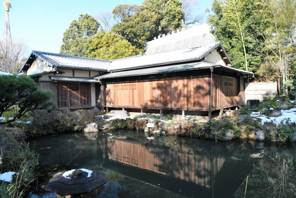 和室 と 池