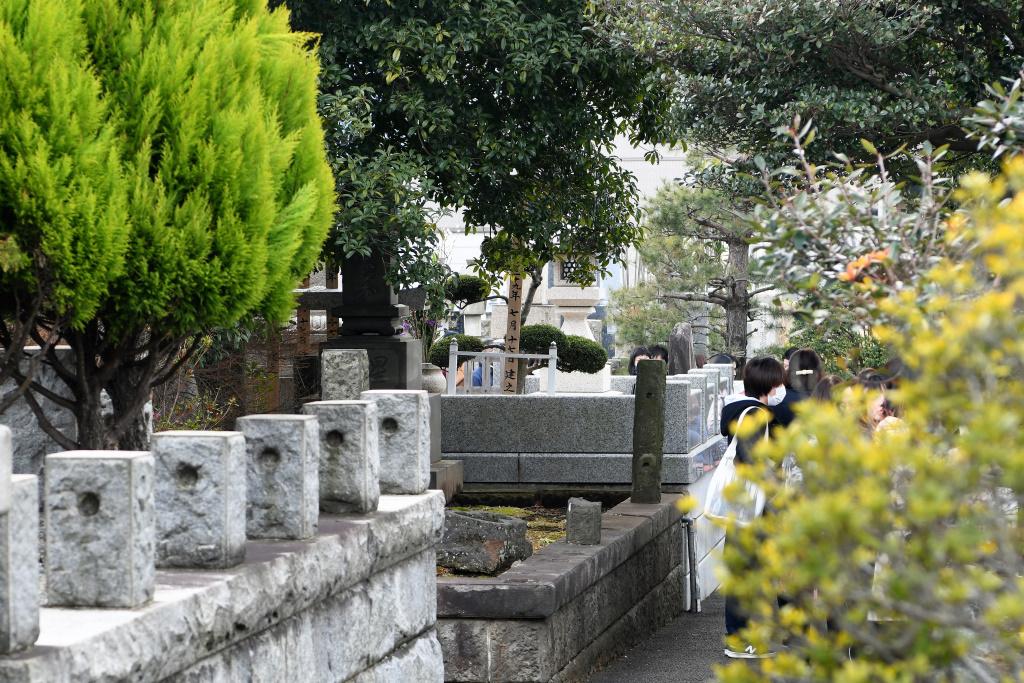 石原 裕次郎 墓 2
