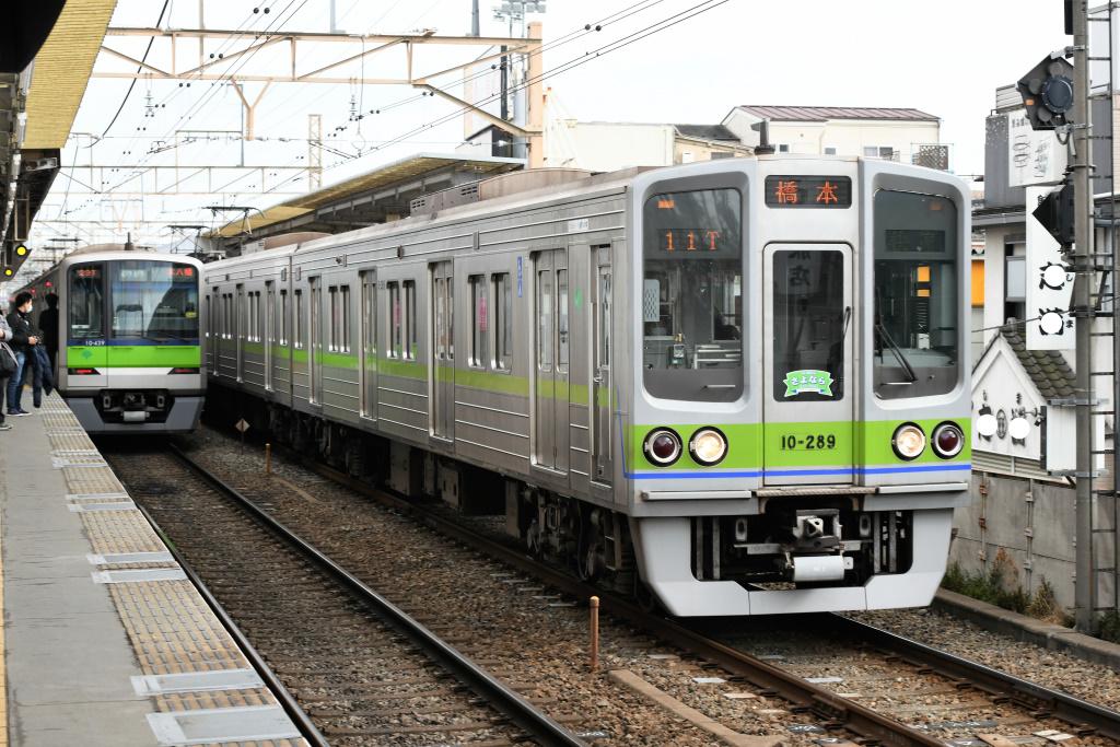 都営地下鉄新宿線 10-000形 2