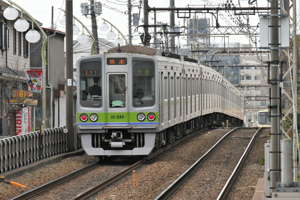 都営地下鉄新宿線 10-000形 5