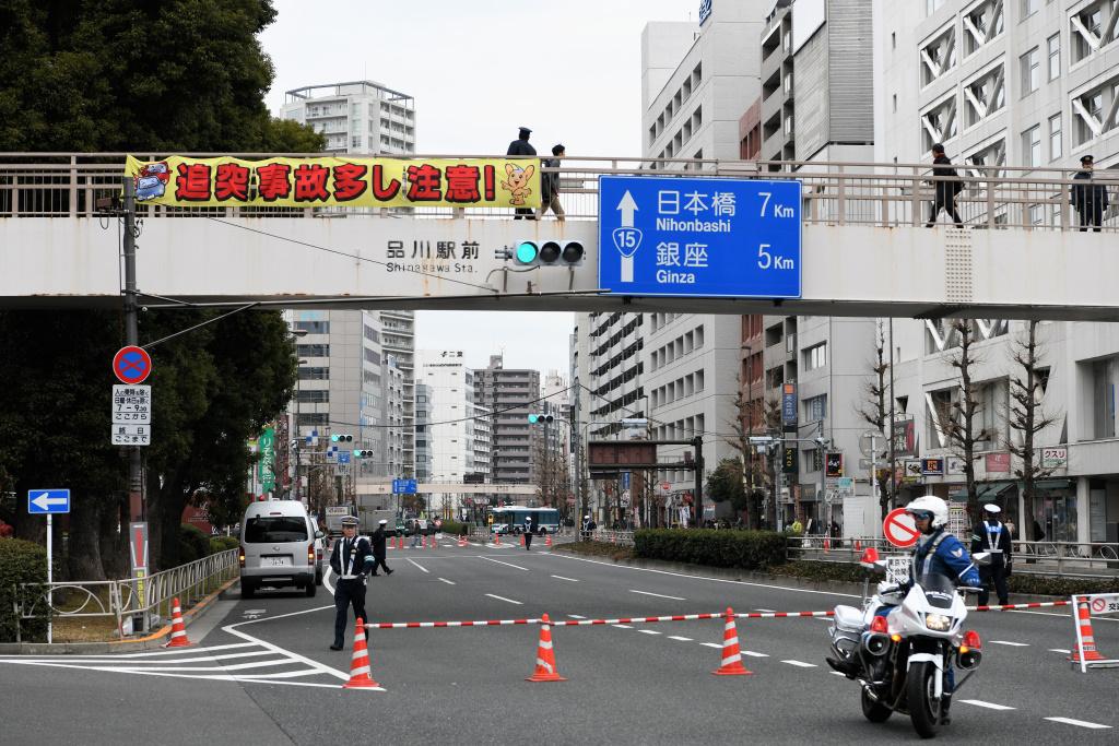 日本橋方向 通行止め