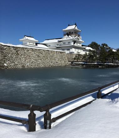 雪の富山城201802