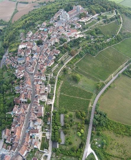 Village_de_Vézelay_vue_aérienne20180116