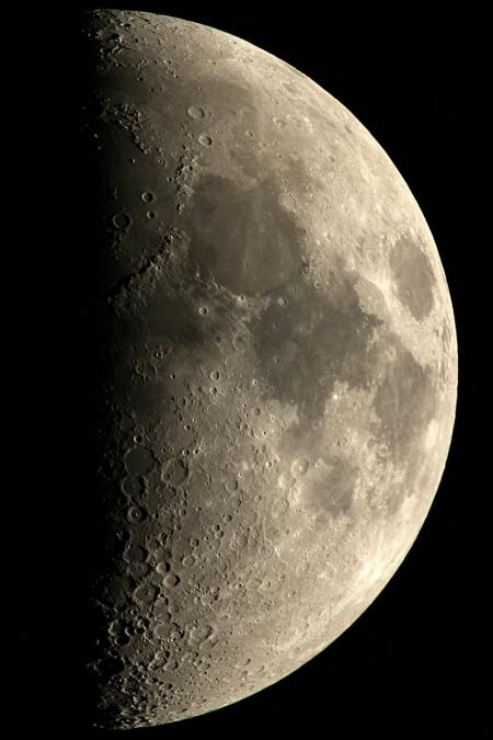 20171226-moon-reg45s.jpg