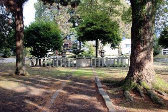 坂上田村麻呂公園内にある墳墓